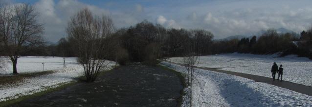 Blick nach Osten von der Dreisambrücke beim Ebneter Wasserwerk am 5.2.2013 - Winterspaziergang im Schnee