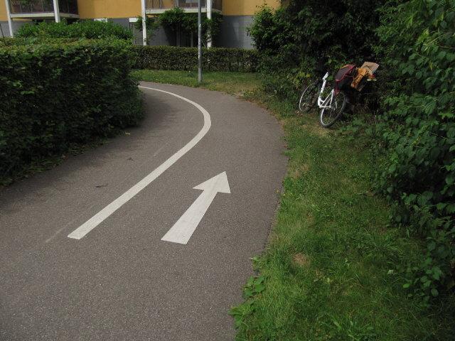 fahrradweg-markierung160812