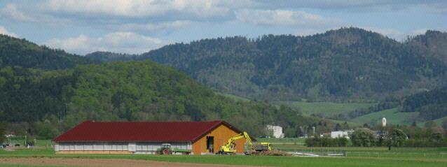 Blick von Ebnet nach Osten über den Kueferhof nach Stegen im April 2008