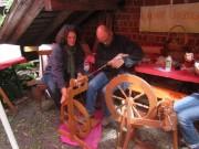Kunzenhof 21-4-2012 - Spinnen am Spinnrad