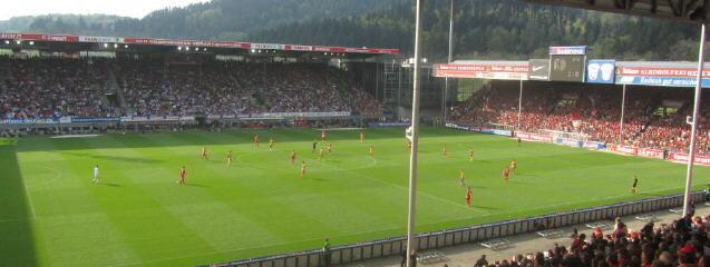 Spiel SC-Braunschweig am 12.3.2014 im Stadion an der Dreisam - Blick nach Westen um 17.15 Uhr