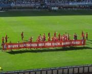 SC schlägt Köln mit 4:1 am 28.4.2012: Spieler bedanken sich bei den Fans