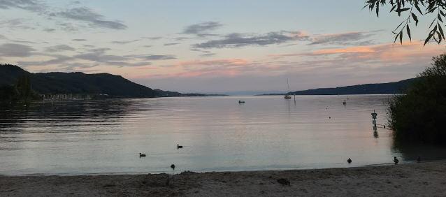 Abendlicher Blick nach Osten über den Bodensee vom Schachenhorn bei Bodman am 8.7.2020