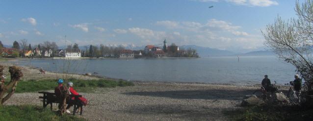 Zeppelin über Wasserburg und Bodensee am 14.4.2016