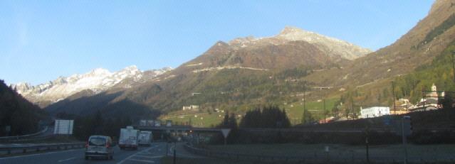 Blick nach Norden zum Eingang des Gotthard-Tunnels Südseite am 1.11.2014