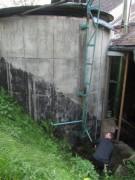 Hanisenhof am 5.5.2012: Hackschnitzel lagern im ehem. Futtersilo