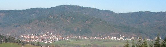 Tele-Blick vom Kamelberg oberhalb FR-Kappel nach Norden auf FR-Ebnet und Roßkopf am 22.12.2006
