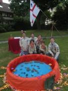 Fronleichnam FR-Littenweiler 10.6.2012: Die Pfadfinder mit ihrem Steine-Fürbitten-Teich