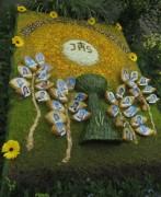 Fronleichnamsprozession Glottertal 7.6.2012: Blumenteppich der Erstkommunikanten