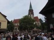 Fronleichnamsprozession Glottertal 7.6.2012: Start bei der Kirche