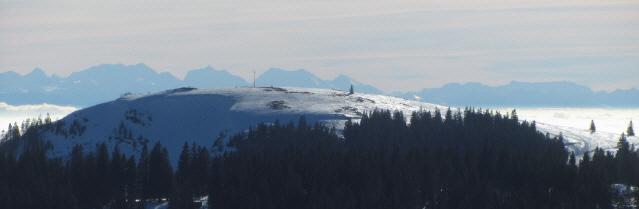 Blick vom Feldberg-Seebuck nach Süden übers Herzogenhorn und den Hochrheinnebel zu den Alpen am 7.1.2013