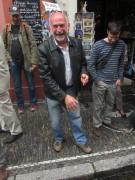 Bächle Freiburg 6.7.2012 - Alois Landmann setzte einen Stein