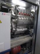 BHKW Strandbad 6.7.2012 - 12-Zylinder-Gasmotor zur Stromerzeugung