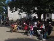 Flüchtlingswohnheim 14.7.2012 - Hock im Innenhof