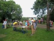 Flüchtlingswohnheim 14.7.2012 - Spielmobil im Garten