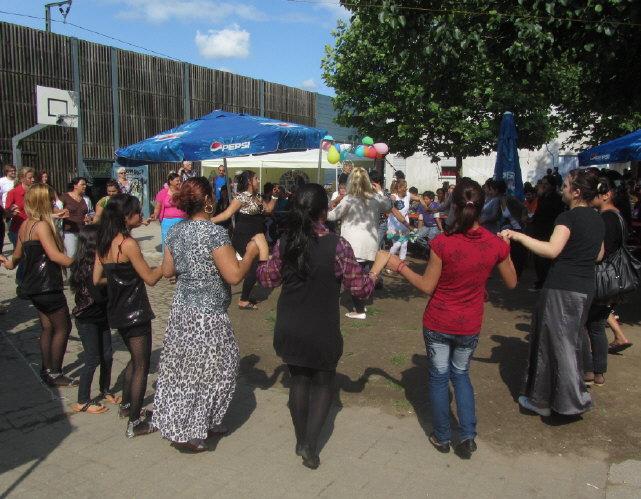 Flüchtlingswohnheim 14.7.2012 - Tanzen