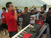 Flüchtlingswohnheim 14.7.2012 - Er singt auf Romanes