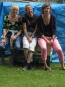 Kartaus Fest 22.7.2012: (19) Zuhörerinnen bei der Fadelei