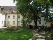 Kartaus 22.7.2012: Blick nach Osten im Innenhof mit den Blauglockenbäumen
