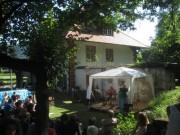 Kartaus Fest 22.7.2012: Blick über die Bühne zum ehemaligen Wirtshaus