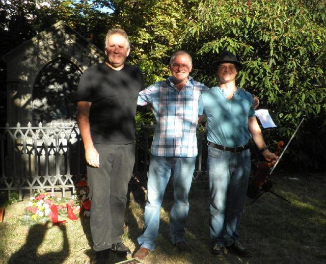 Dortu-Gedenkfeier am 31.7.2012 in FR-Wiehre - Matthias Deutschmann, Heinz Siebold und Olaf Creutzburg (v.l.)