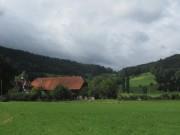 Blick nach Süden über den Schütterlehof in Neuhäuser zum Pfeiferberg am 6.8.2012