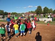 Kinderfussball beim ESV-Freiburg am 28.9.2012 -Abklatschen mit Matthias