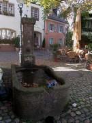 Insel 4.10.2012 - Der Brunnen neben der Ölmühle