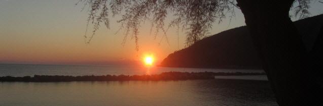 Sonnenuntergang an der ligurischen Küste in Moneglia am 31.10.2014 um 17.30 Uhr