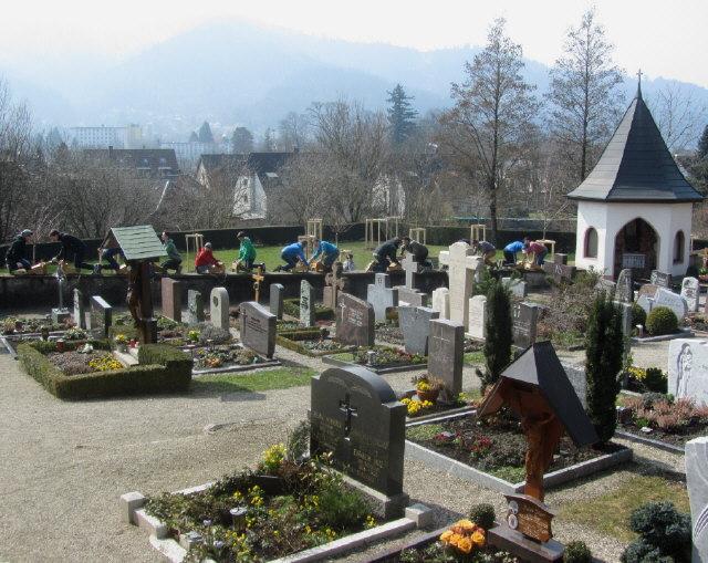 raetschen2friedhof130329