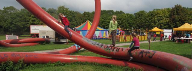 Kinderkunstdorf im Freiburger Eschholzpark am 28.8.2013