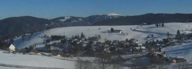 Blick vom Schauinsland nach Osten über Hofsgrund zum Feldberg am 31.1.2014