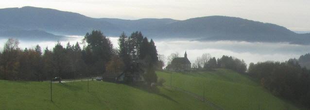 Lindenberg bei St.Peter am 15.11.2014: Blick über den Nebel zum Schauinsland