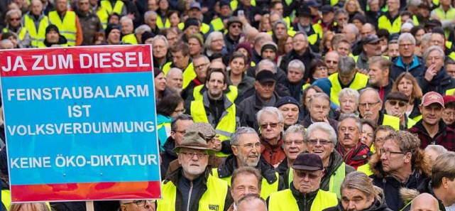 Vierte Demonstration gegen Diesel-Fahrverbote in Stuttgart am Samstag 2.2.2019