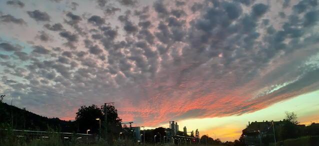 Sonnenuntergang in Freiburg am 26. August 2020 um 21.20 Uhr