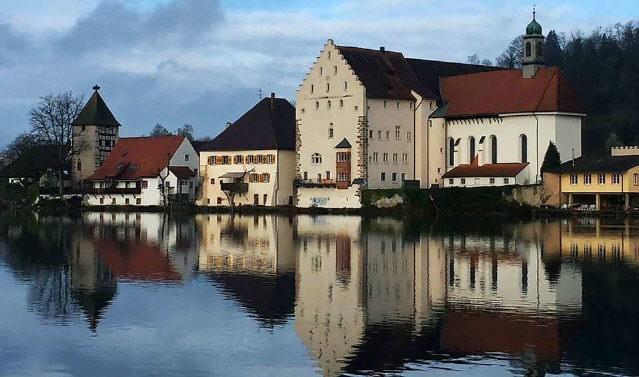 Schloß Beuggen am Hochrhein zwischen Basel und Schaffhausen im Februar 2021