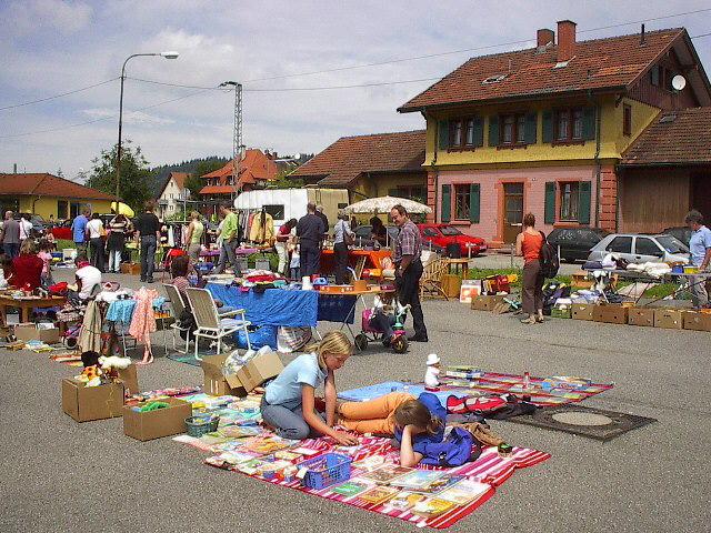 freiburg flohmarkt in freiburg littenweiler. Black Bedroom Furniture Sets. Home Design Ideas