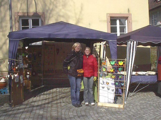 freiburg kunst und ostermarkt 2005 in freiburg littenweiler dorfplatz alte kirche. Black Bedroom Furniture Sets. Home Design Ideas