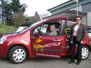 Heinrich und Magdalena Zimmerlin spendeten der kirchlichen Sozialstation ein Auto für den Pflegenotruf - März 2007