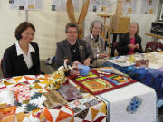 FR-Madison: Ingrid Olmar with the Quilts-Group Carl Schurz Haus in Freiburg